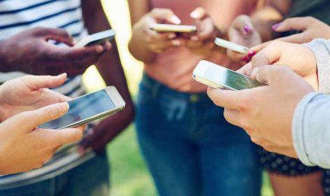 Le téléphone, outil principal de communication depuis des décennies, est toujours un objet indispensable pour les enquêtes de satisfactions. Voyez les atouts du téléphone.